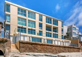 202 Coast Blvd 7, La Jolla, California 92037, 3 Bedrooms Bedrooms, ,2 BathroomsBathrooms,Condo,Sold,Coast Blvd 7,1017