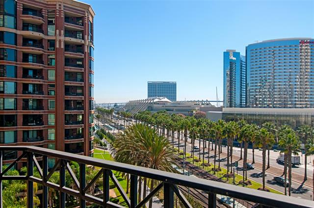 500 Harbor Drive 704, San Diego, California 92101, 2 Bedrooms Bedrooms, ,2 BathroomsBathrooms,Condo,Sold,Harbor Drive 704,1018